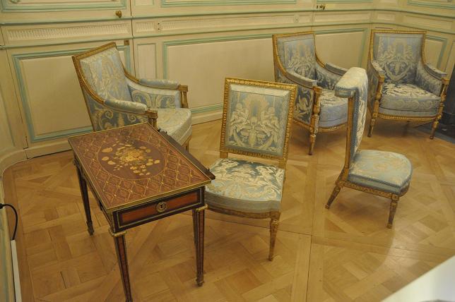 Exposition Mme Elisabeth à Montreuil - Page 3 48756578500220130521200536DSC0050