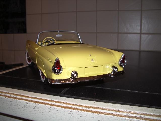 ford thunderbird 1955 au 1/16 de chez amt  4887456024
