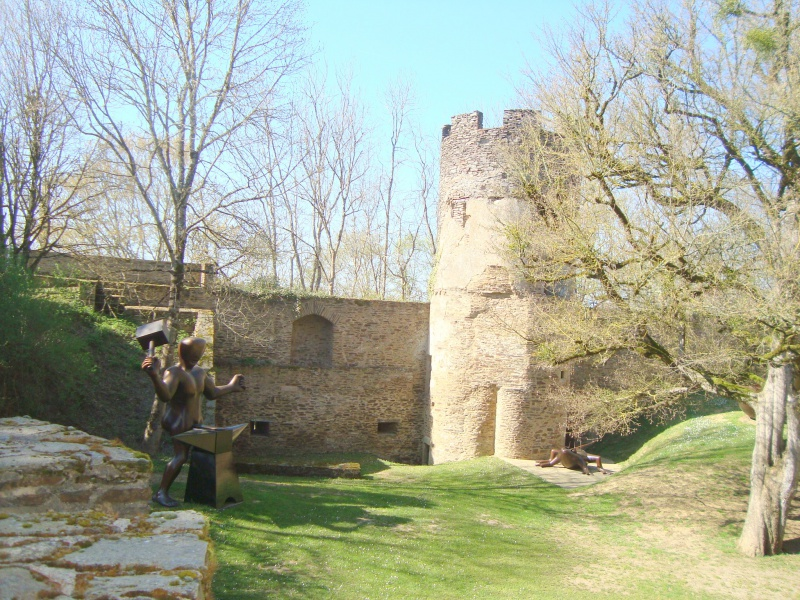 Sculpteur en son Château 489361DSC05113