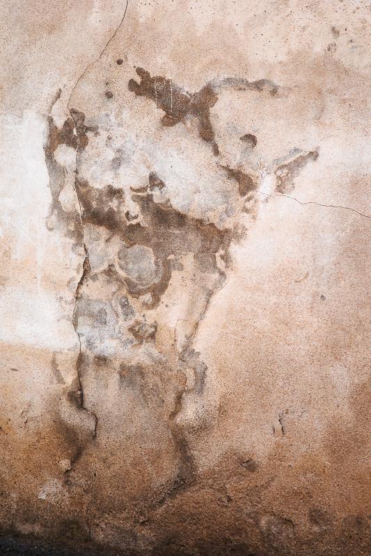 L'esprit du crépi/ peinture rupestro-citadine Crépitausaurus 490517gollem12