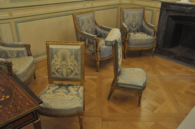 Exposition Mme Elisabeth à Montreuil - Page 3 49078444393120130521200617DSC0055
