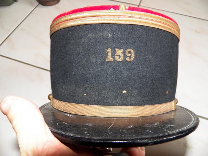 capote, et lot du 159e RIA: caisses mortier, képi, brodequins 4931211050089