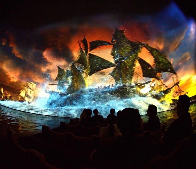 [Shanghai Disneyland] TREASURE COVE (POTC:...Sunken Treasure/Captain Jack's Stunt) - Page 7 496760w154
