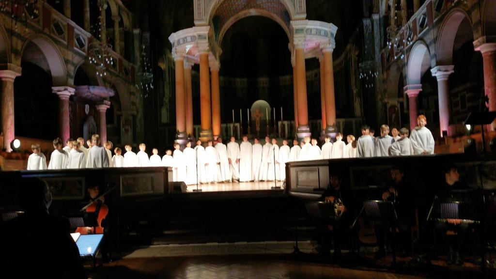 Concert à la cathédrale de Westminster (initialement St George's) le 1er décembre 2017 - Page 3 49772820171201220326