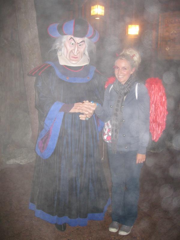 [TR] Halloween 2011 : du jeudi 6 au samedi 8 octobre : 3J/2N au CC en vue Parc (début du TR en page 9) - Page 10 498573IMG3905