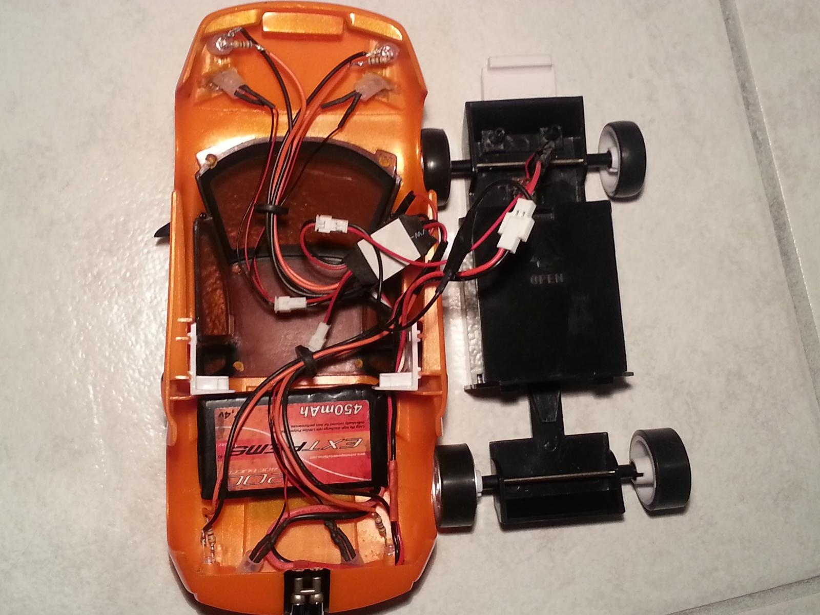 Kit lumières Atomic sur quelle carrosserie? 50340120130316002452