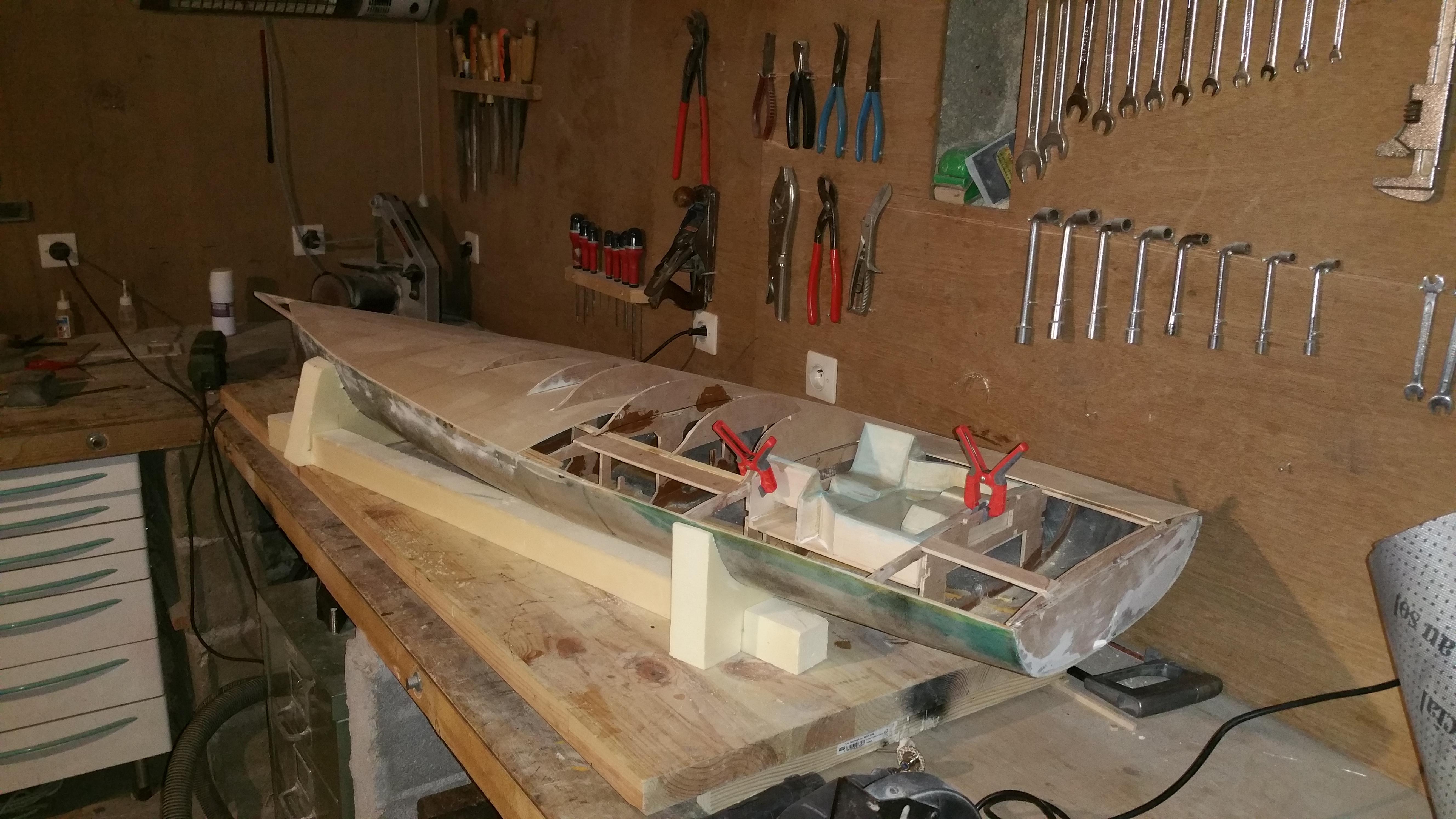 Construction d'un Open 60 au 1/12e - Page 2 50418320180104163017