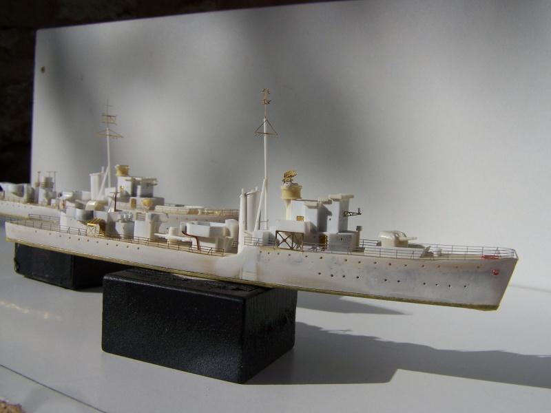 Destroyers classe Hunt type 2 et 3 - Page 2 510768Hutn2et3022