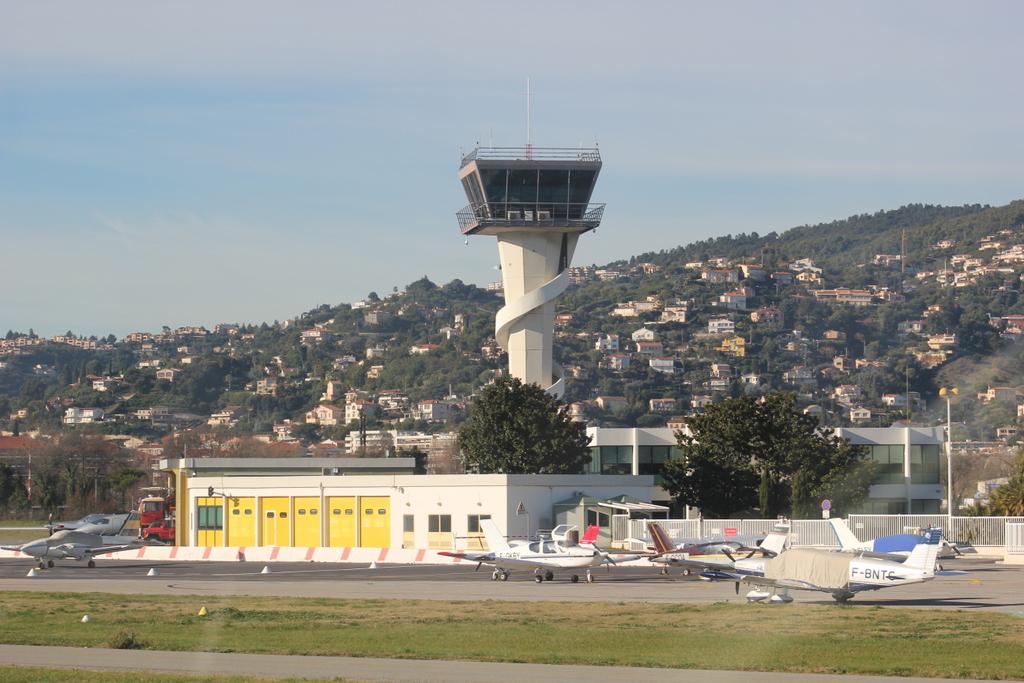 VOL en Robinson R44 autour de LFMD Cannes-Mandelieu 511764IMG7169