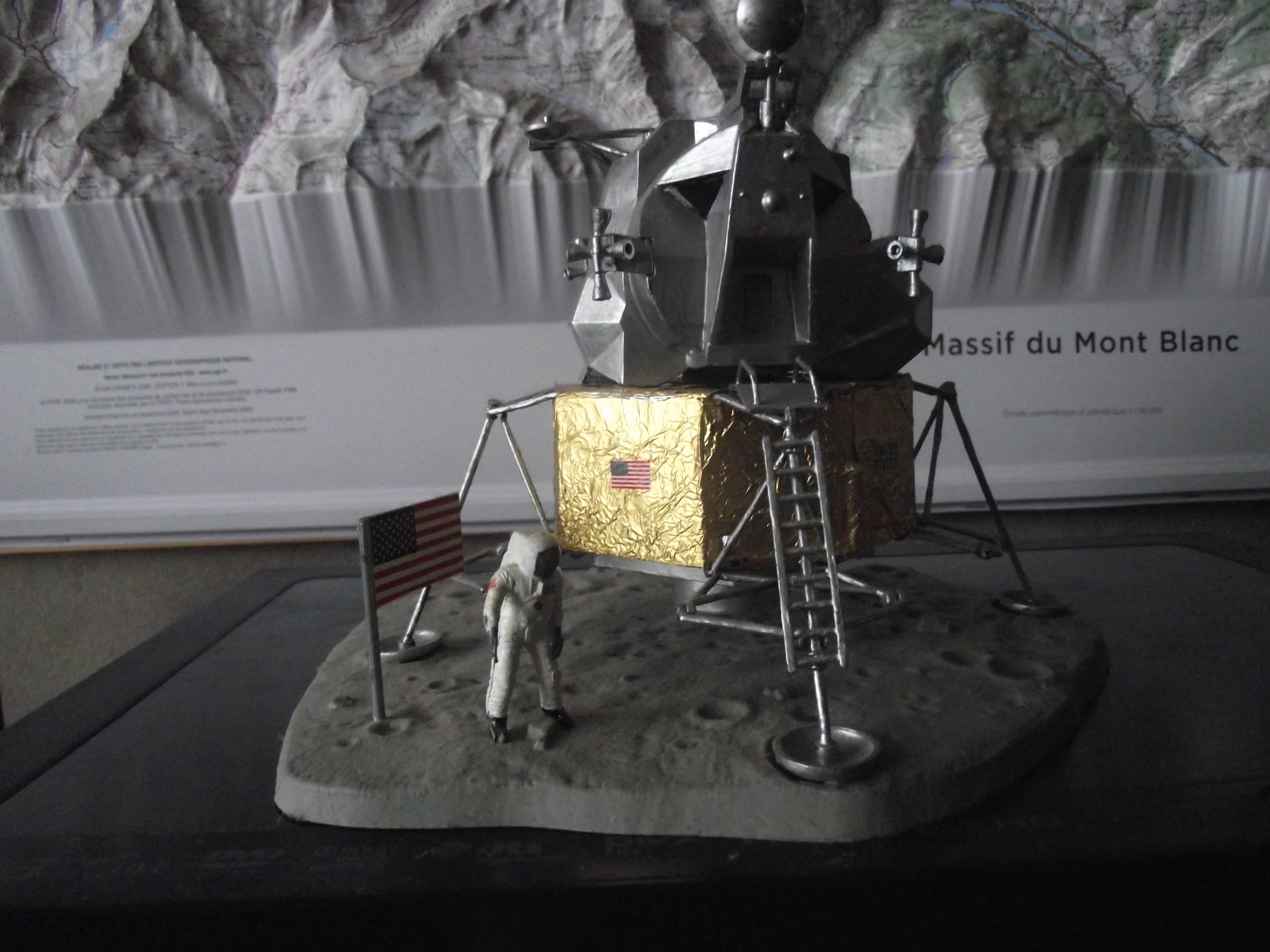 Module lunaire 1/48, Amstrong 1/8 Saturn 5B 1/144 Revell 513301Appollo11313