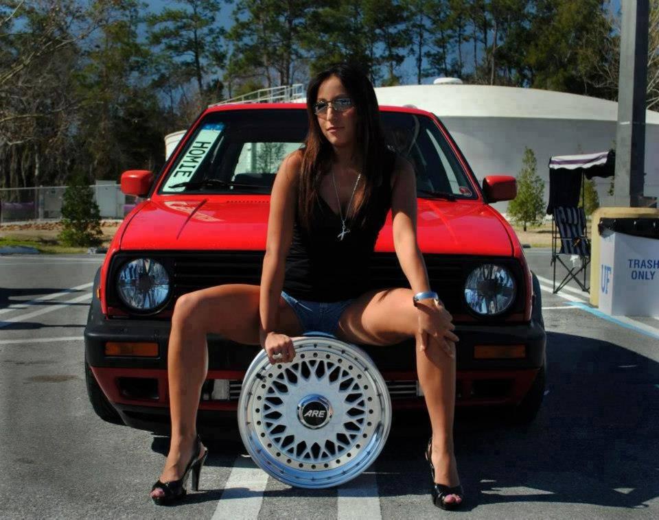 Volkswagen et ses donzelles ... - Page 37 51717816186432220189613207561460102361n