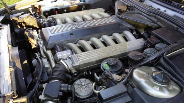 BMW 750 IAL E32 52010720141231160437
