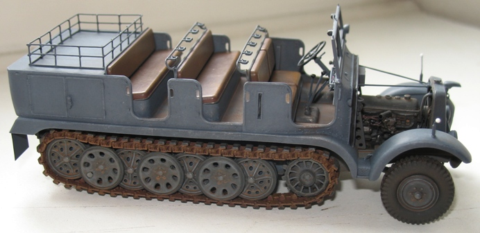 Sd.Kfz 6  Trumpeter 1/35 - Page 3 520906modles124017
