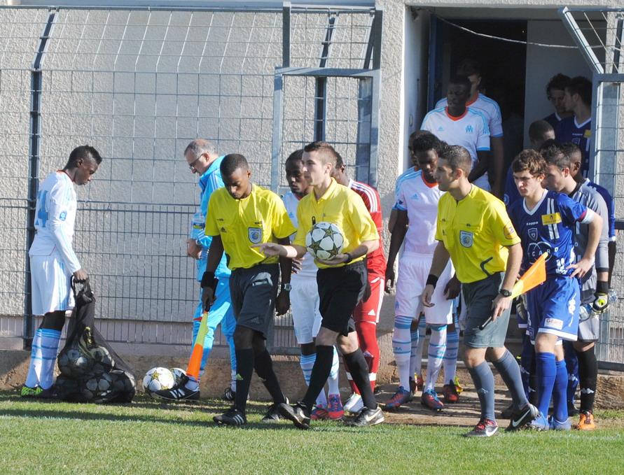 OLYMPIQUE DE MARSEILLE  :LE 11 NOVEMBRE 2012  LES U19 NATIONAUX OM ET LA  RESERVE OM .. UNE JOURNEE CORSE BIEN REUSSIE !!! - Page 2 521474DSC0114