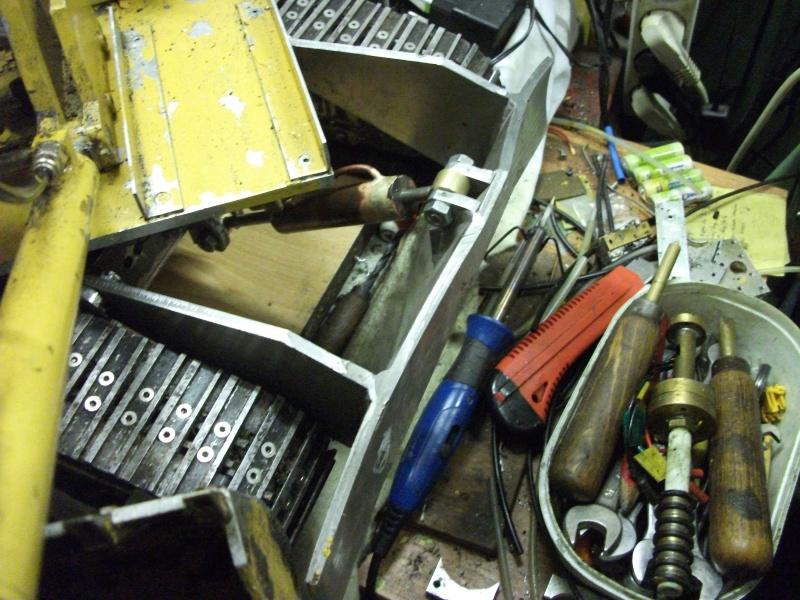 pelles électro hydrauliques LIEBHERR 964 B - Page 13 523677003