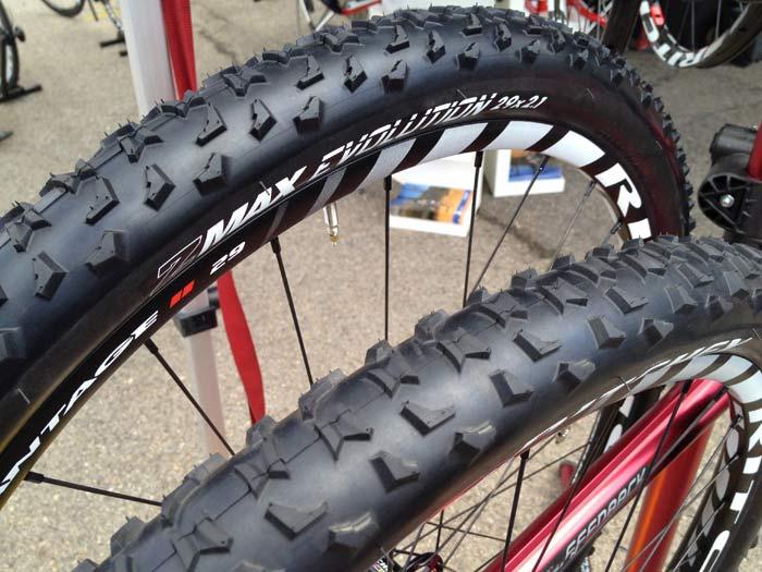 RITCHEY tyres 5292272013RitcheyZMaxEvolution29x21mtbtire01