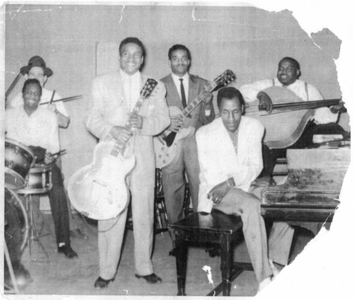 Willie Dixon - Page 3 529499davefreddiehallband