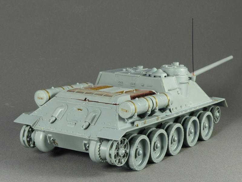 SU-100 - DRAGON 1/35 - Page 2 532245P1020840