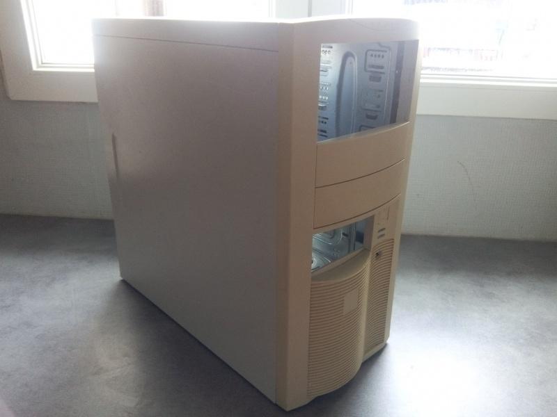Windows 98 et après, ou comment ressusciter un vieux PC 533344boitier1