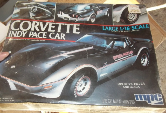 chevrolet corvette 25 th anniversary de 1978 au 1/16 - Page 2 5341387457