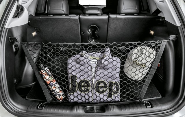 Mopar® : plus de 70 équipement pour la Jeep® Compass 54817202bCargonetB