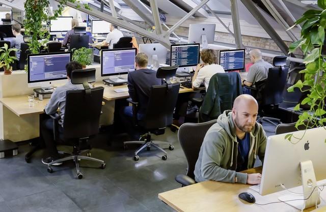 Renforcement des compétences informatiques du Groupe Volkswagen : inauguration d'un laboratoire digital à Berlin 548510hddb2016al02068large