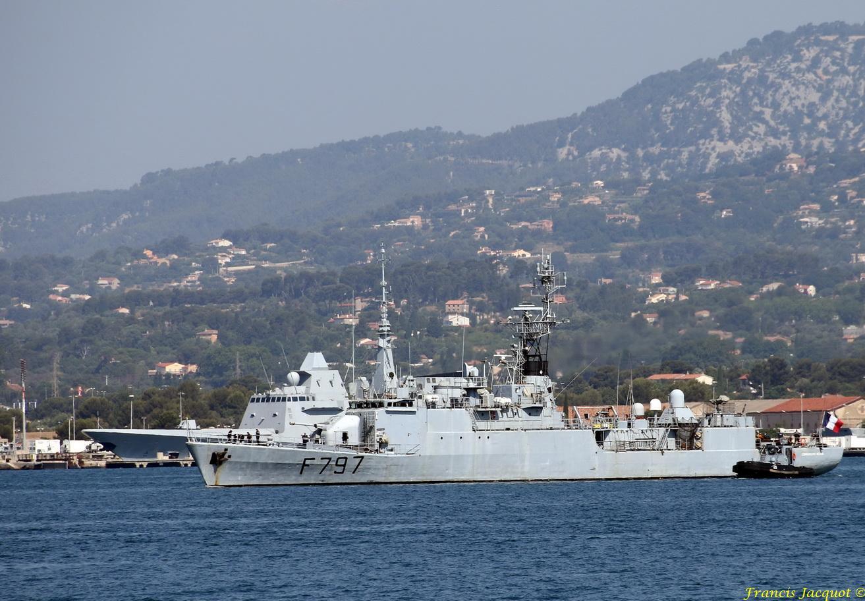 [LES PORTS MILITAIRES DE MÉTROPOLE] Mouvements de Bâtiments dans la rade de Toulon - Page 13 548677236