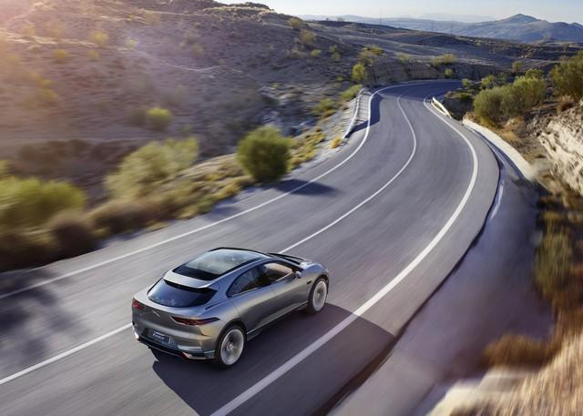Jaguar Dévoile Le Concept I-PACE : Le SUV Électrique Performant 550864cropthumbnailjagipacelocation14111603