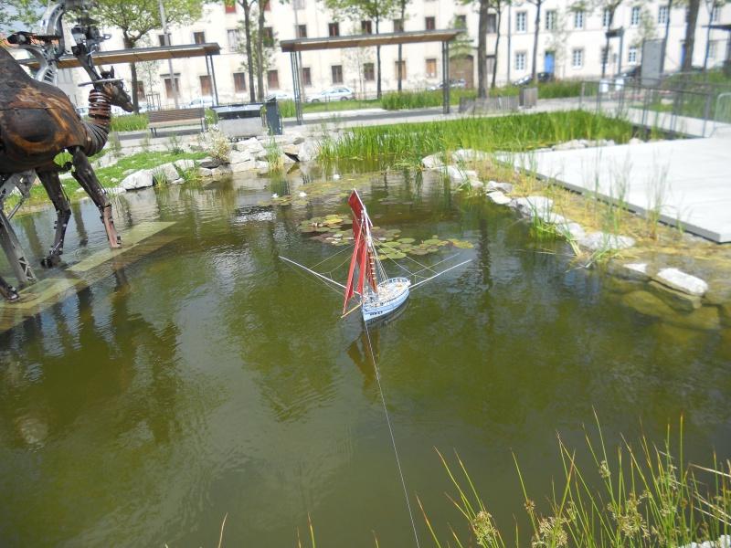 démo de maquettes navigantes sur la place Napoléon à la Roche S/Yon le 31 Mai et le 1er Juin 551029DSCN4053