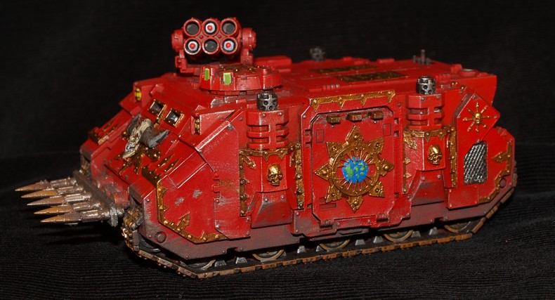 World Eaters -Les Bloodcrusher arrivent !!!! 560127RhinoKhorne2