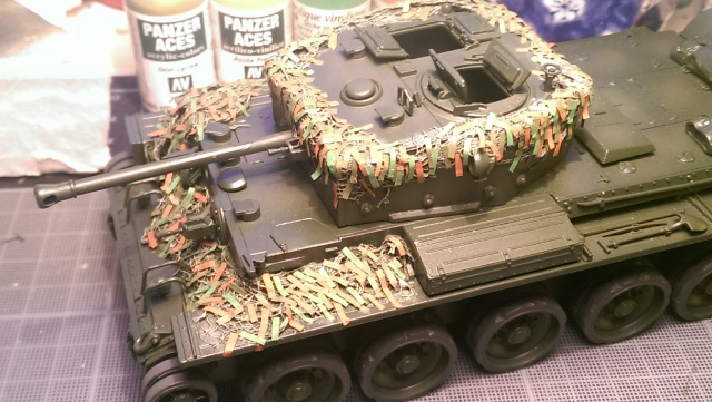A 27 CROMWELL Mk IV Tamiya 1/35 et A34 COMET BRONCO 1/35 - Page 3 561013IMAG2366