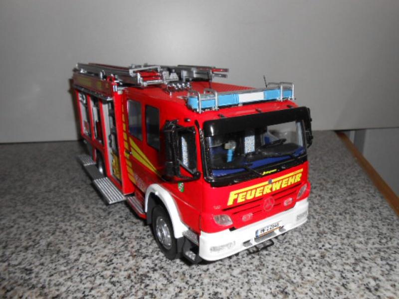 Camion de pompiers atelier de revell au 1/24° 561281pompier021