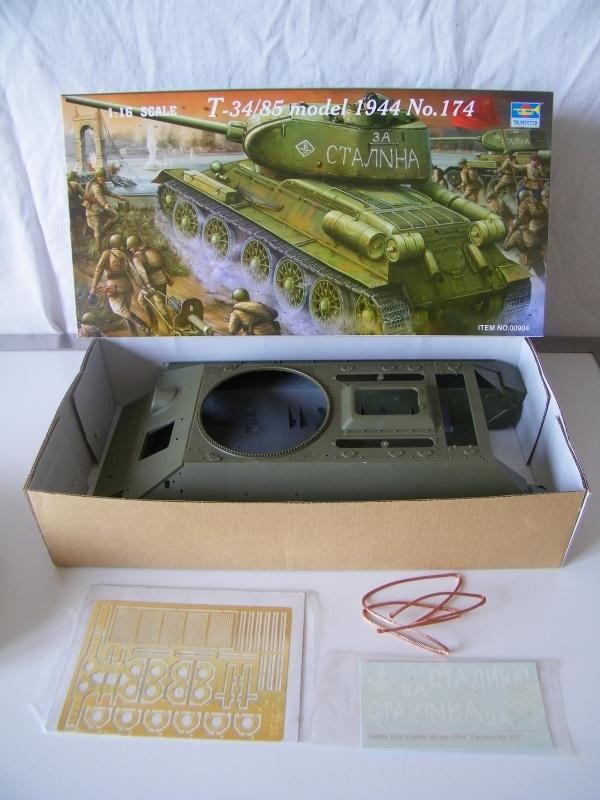 T34/85 modele 1944 Trumpeter 1/16e 5618381003183