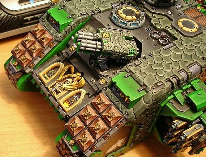 Warhammer 40K (figurines diverses trouvées sur internet! ) - Page 17 567591Landraider1