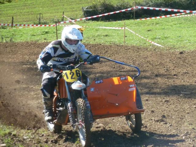 48 heurs Off road à Dommartin : la moto est dans le pré ! 568238P1420194