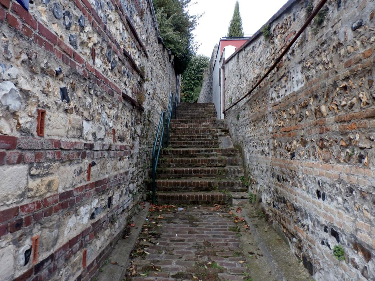 Thème du mois de décembre 2017 :  Escalier 571912531