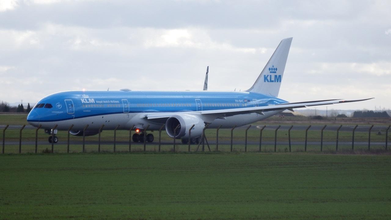 Châteauroux LFLX-CHR - 787 KLM ! (Novembre 2015) 573218KLM7873