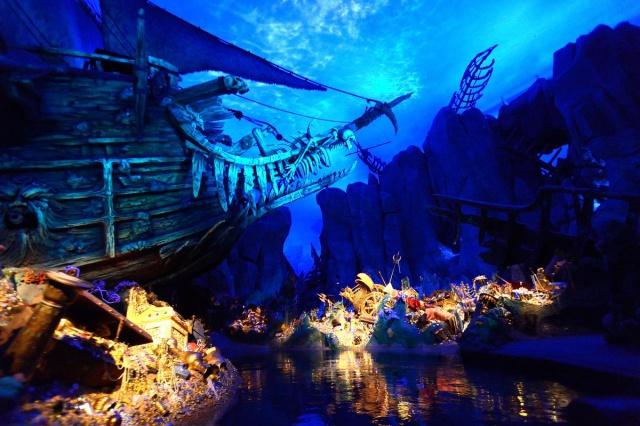 [Shanghai Disneyland] TREASURE COVE (POTC:...Sunken Treasure/Captain Jack's Stunt) - Page 7 573701w155