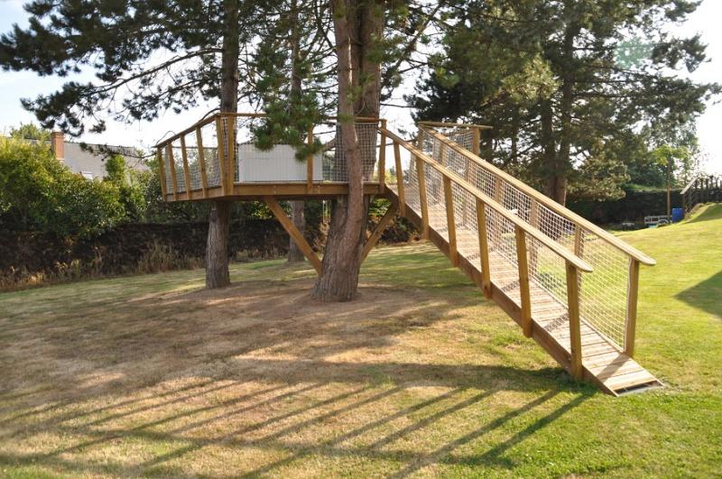 Projet de toboggant pour la cabane dans les arbres de mon fils, vos idées? - Page 3 574762Cabane30