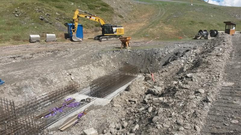 Construction du télésiège débrayable 6 places (TSD6) Roc de Tougne 58118520170603104935