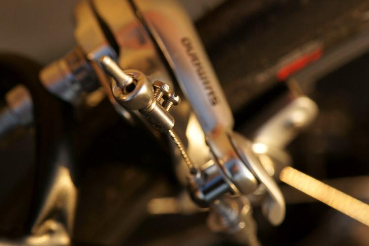 Atelier cycles à Ixelles [montages d'étrier caliper alternatif] 582696DSC1864750p