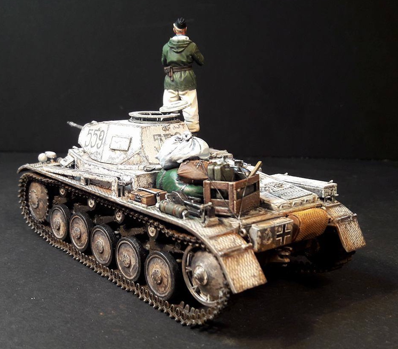 Pz.Kpfw.II Ausf.F - Kharkov 1/35 - Page 4 586562PZIIRearLeft