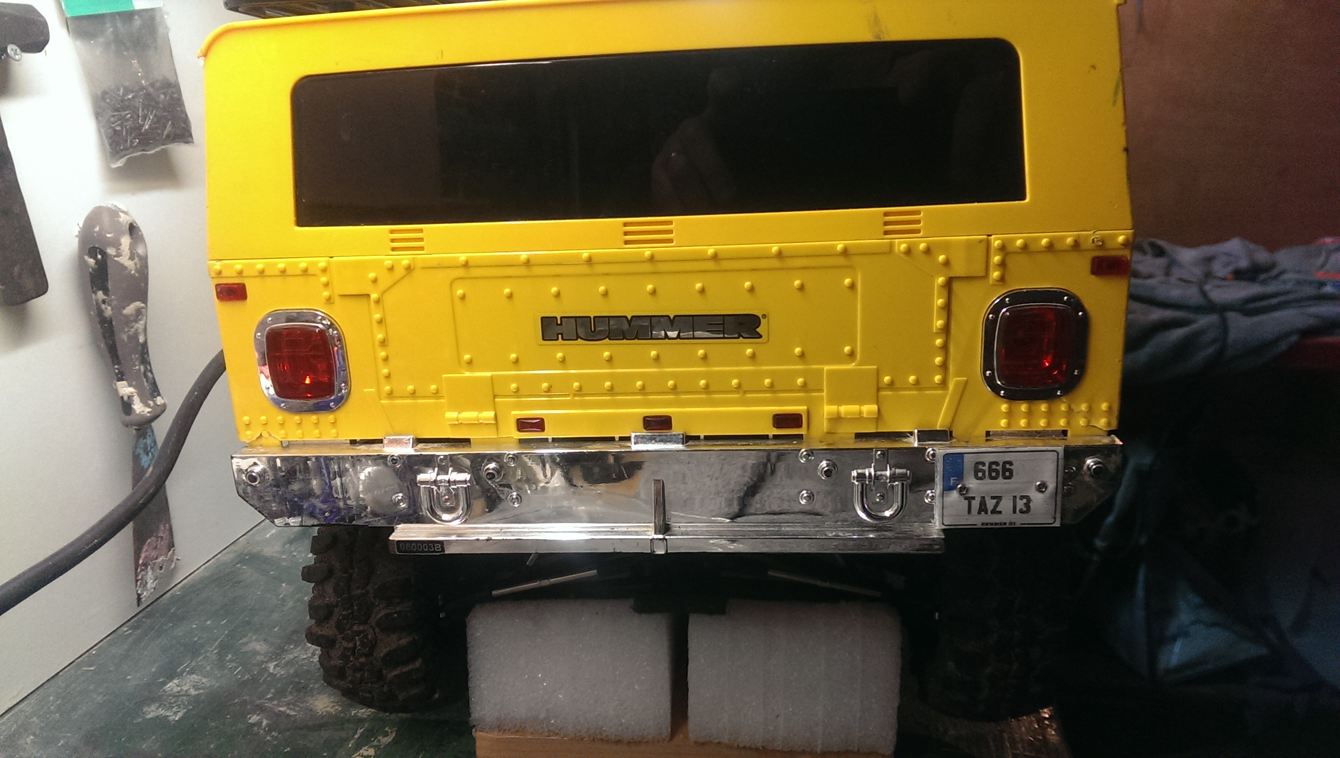 HUMMER H1 au 1/6 sur base SUMMIT 587942IMAG1505