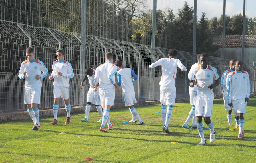 OLYMPIQUE DE MARSEILLE  :LE 11 NOVEMBRE 2012  LES U19 NATIONAUX OM ET LA  RESERVE OM .. UNE JOURNEE CORSE BIEN REUSSIE !!! - Page 2 588129DSC0090