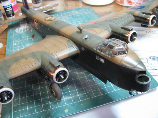 Short Stirling MkIII BF-513 Italeri 1/72, 2ème !!!!!....Terminé!!! - Page 4 591948IMG7105