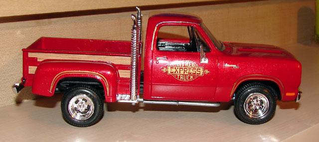 AMT 1978 Dodge Lil Red Express Truck 592150redexpress25
