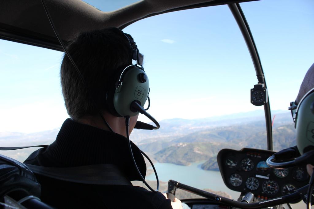 VOL en Robinson R44 autour de LFMD Cannes-Mandelieu 595296IMG7226
