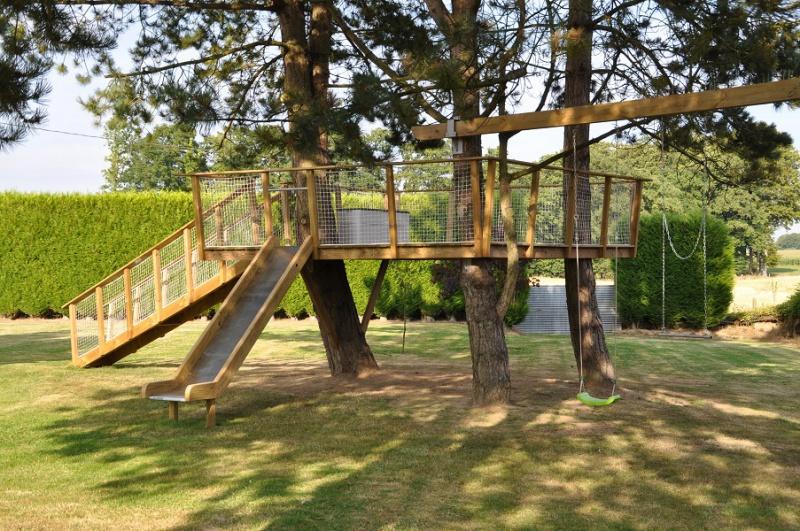 Projet de toboggant pour la cabane dans les arbres de mon fils, vos idées? - Page 3 597556Cabane33