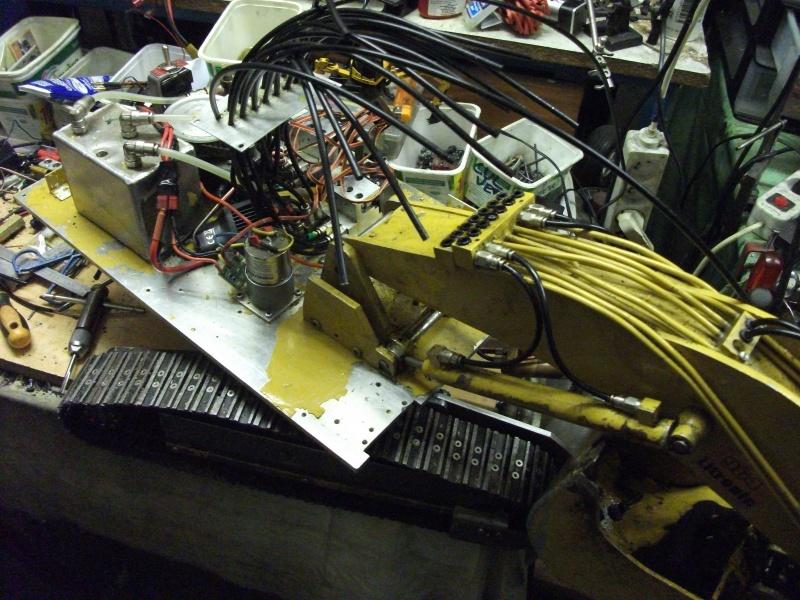 pelles électro hydrauliques LIEBHERR 964 B - Page 13 598538001