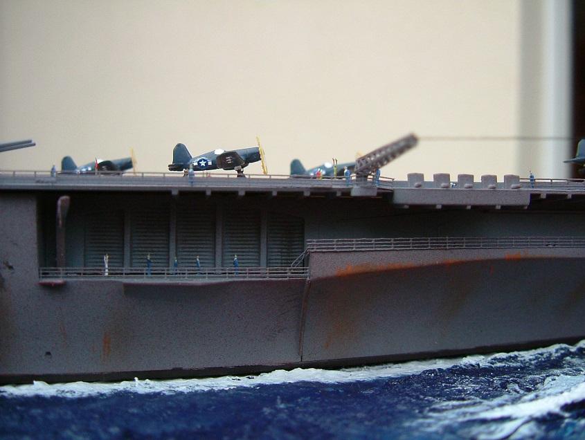 CV-9 USS ESSEX par Kagou 1/700 - Hasegawa + photodec 601423EssexCV911